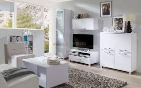 Białe meble do mieszkania